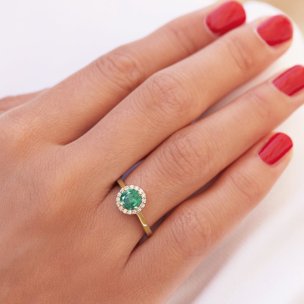emerald-jewellery-luxury-and-seduction