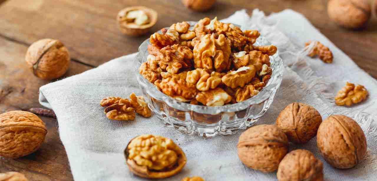 Walnuts Nutrition Facts, Trend Health